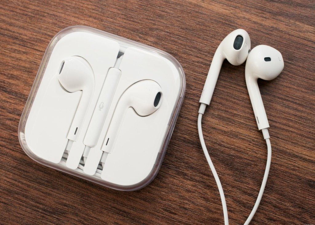 apple_earbuds01