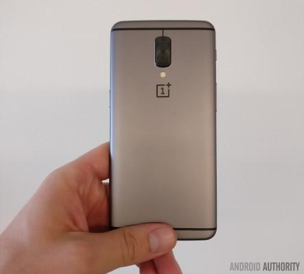 是疑似OnePlus 5原型機曝光,採用雙鏡頭設計這篇文章的首圖
