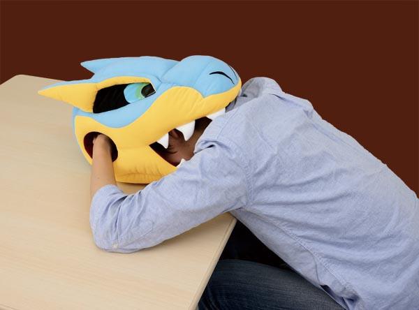 是可以在轟龍大嘴裡睡個好覺的午睡枕這篇文章的首圖