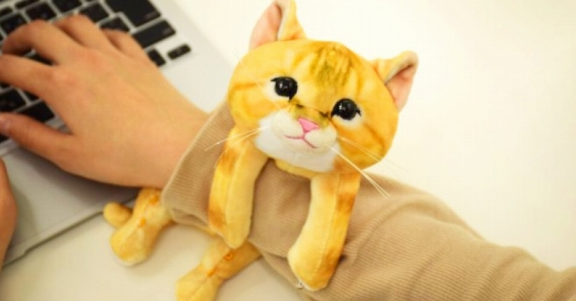 Kitten, Whiskers, Plush, Armrest, Personal computer, JPEG, Felissimo, plush, Cat, Stuffed toy, Felidae, Plush, Toy, Yellow, Small to medium-sized cats, Hand, Textile, Kitten