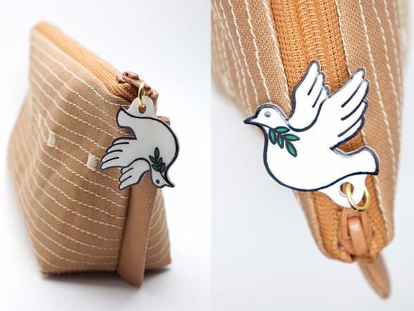 打開可以讀到聖經故事的袋子