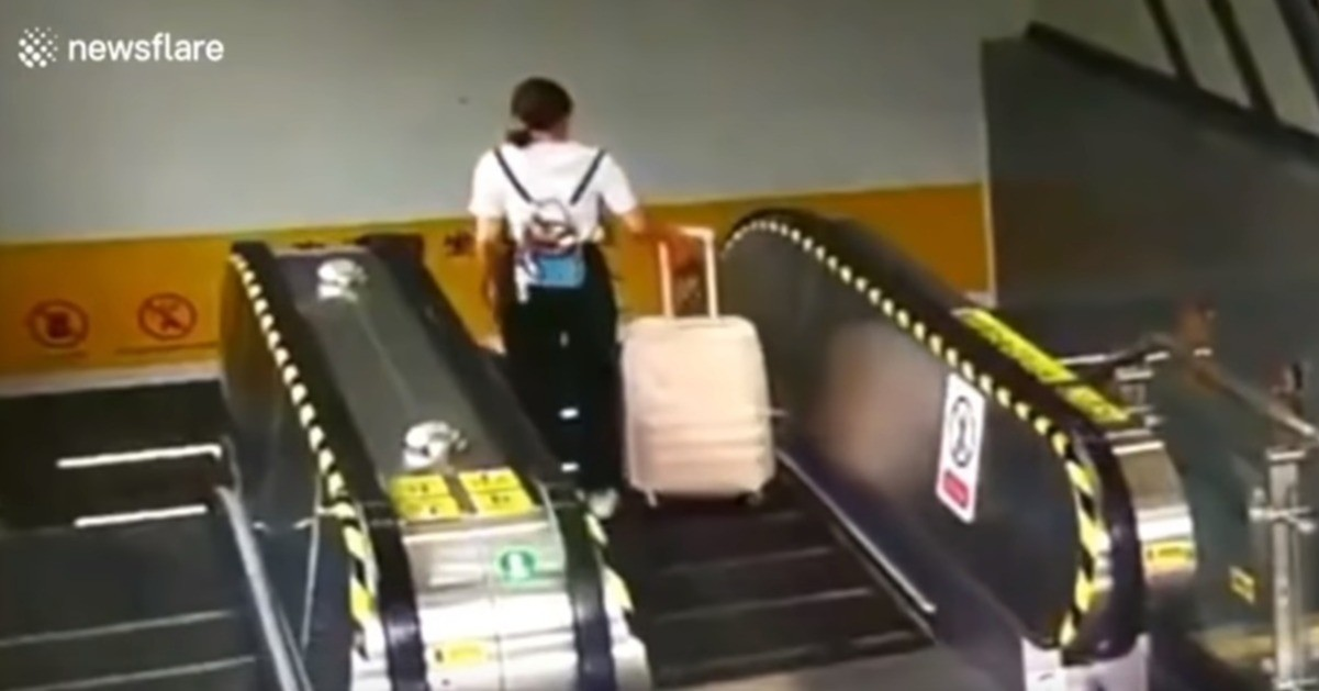 Suitcase, Baggage, , Meme, , China, Commuter Station, Backpack, , Internet meme, Suitcase, escalator, exercise machine, mode of transport, exercise equipment, structure, sport venue, gym, indoor games and sports, recreation, electronic instrument