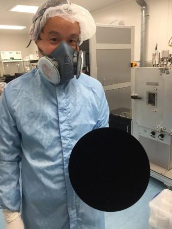 是這不是後製,是奈米碳管黑體這篇文章的首圖