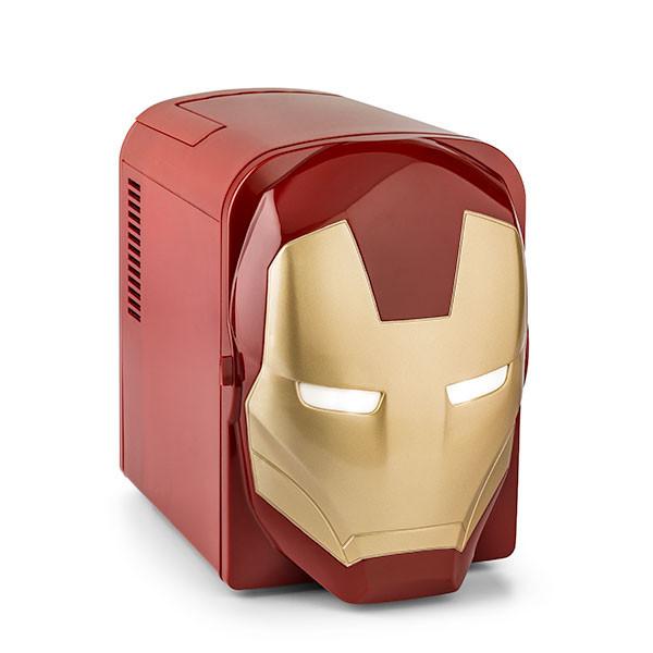 是目光炯炯有神的鋼鐵人小冰箱這篇文章的首圖