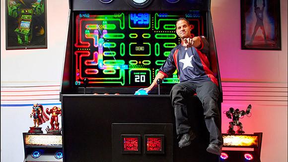 是就算是姚明來,也顯得渺小的大台電玩,並得到了金氏紀錄認證這篇文章的首圖