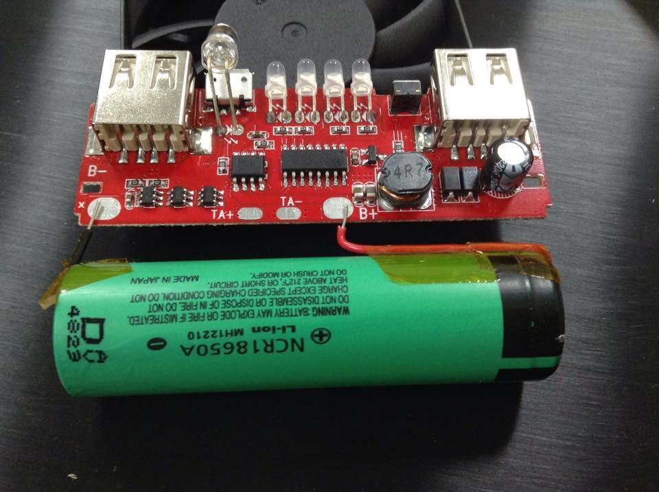是捲起袖子來打造一顆 DIY 行動電源!這篇文章的首圖