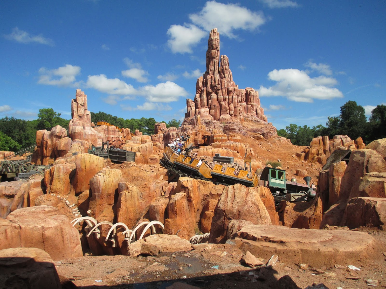 Big Thunder Mountain Railroad, Disneyland Park, Magic Kingdom Park, Frontierland, Disneyland Paris, Tokyo Disneyland, Roller coaster, , FastPass, Amusement park, big thunder mountain railroad, Rock, Formation, Amusement park, Walt disney world, Park, Historic site, Outcrop, Recreation, National park, Geology