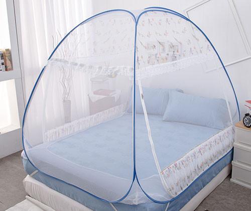 是彈開式三開門蚊帳,室內蒙古包讓蚊子不叮叮這篇文章的首圖