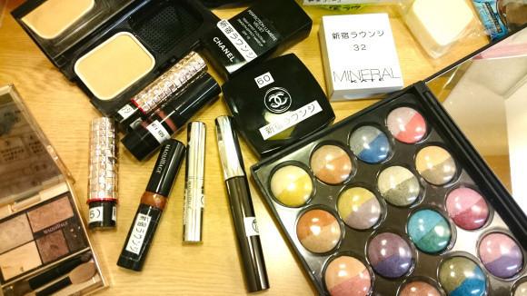 是新宿新興的奇妙行業!提供香奈兒全套彩妝使用的女性向休息室這篇文章的首圖