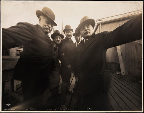 Selfie, 1920s, Joseph Byron, Photograph, Photographer, Selfie stick, Photography, New York City, Portrait, Byron Company, first selfie 1920, photograph, gentleman, snapshot, black and white, vintage clothing, human behavior, stock photography