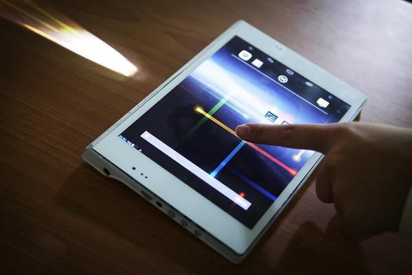 是具備投影能力的Android平板,讓視野與分享更開闊這篇文章的首圖