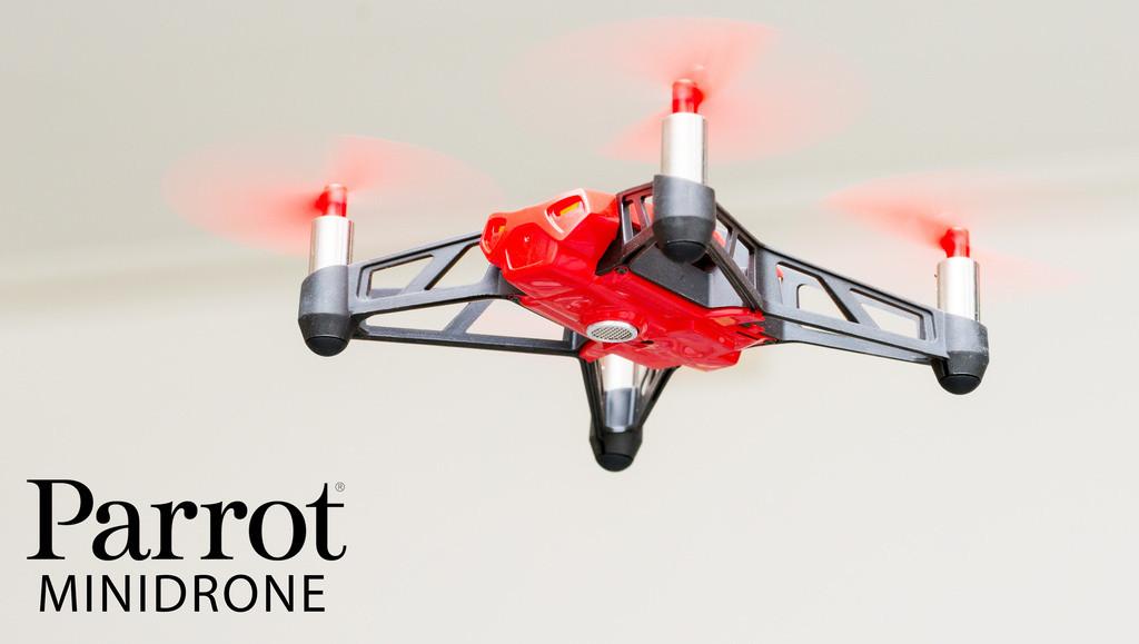 是一圓你的飛行夢!超迷你 Minidrone Rolling Spider 四軸直升機動手玩~這篇文章的首圖