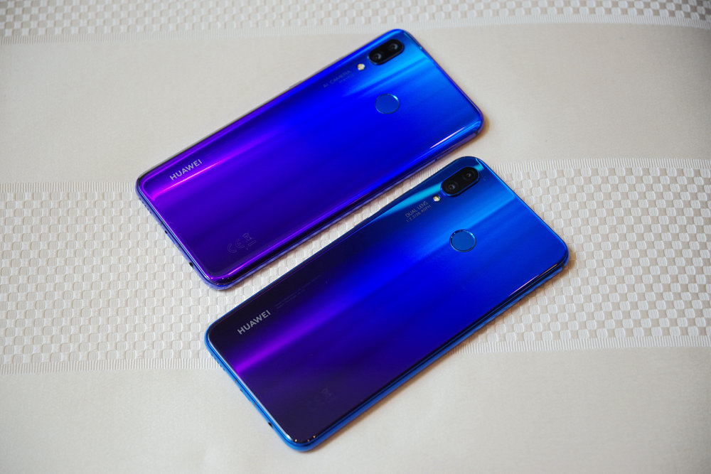 Smartphone, Feature phone, Product design, Product, Design, Computer hardware, cobalt blue, blue, cobalt blue, gadget, mobile phone, purple, electric blue, product, electronic device, technology, hardware