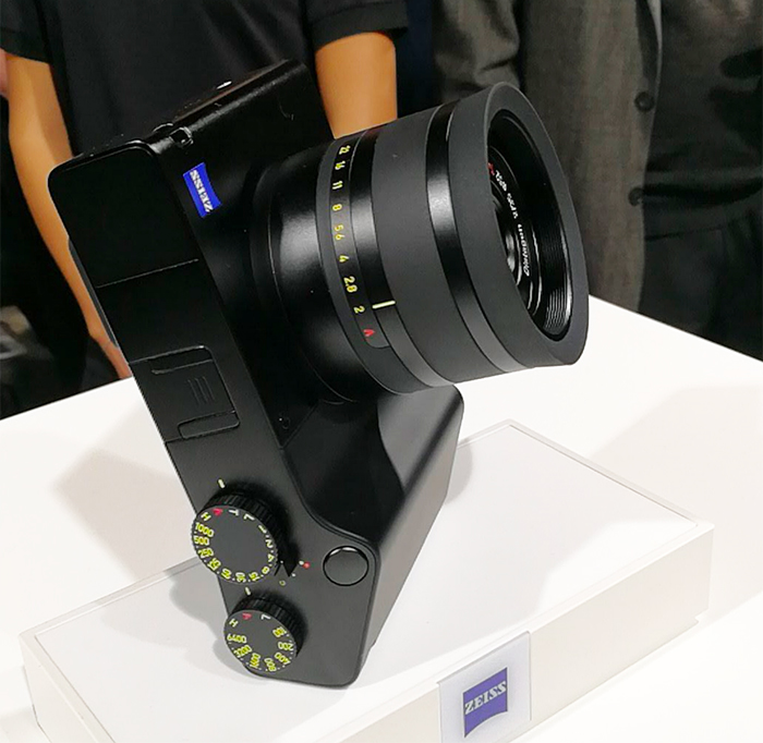 Camera lens, Full-frame digital SLR, Camera, , , Carl Zeiss AG, Digital Cameras, Raw image format, Sony Corporation, 35mm format, camera lens, product, cameras & optics, camera lens, technology, optical instrument, lens, product, camera accessory, camera, angle