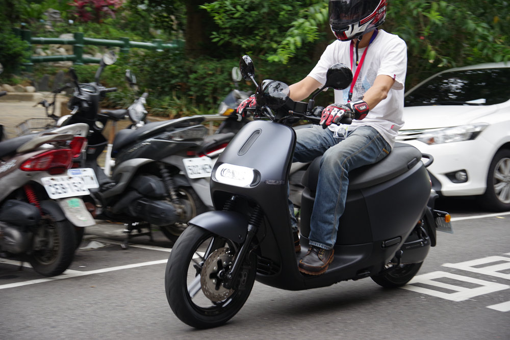 Scooter, Car, Motorcycle accessories, Motorcycle, Motor vehicle, Cruiser, Wheel, Vehicle, Autoped, Peugeot Speedfight, motorcycling, motorcycle, motor vehicle, vehicle, motorcycling, car, motorcycle accessories, scooter, street, cruiser, wheel