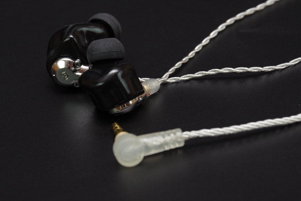 将 Atlas 化为客制化耳机, Campfire 首款客制化耳机 Equinox 公模动手玩 第12张
