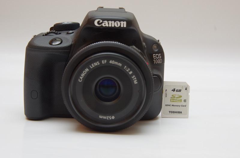 是真正一手可掌握的 APS-C 單眼相機, Canon EOS 100D 動手玩這篇文章的首圖
