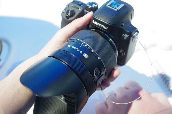 是CES 2014 : Samsung NX30 與 Galaxy Camera 2 快速動手玩這篇文章的首圖