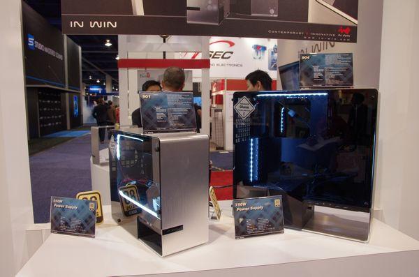是CES 2014 :迎廣展出全玻璃機箱 tou 平民版的兩款鋁骨、玻璃側版機箱這篇文章的首圖