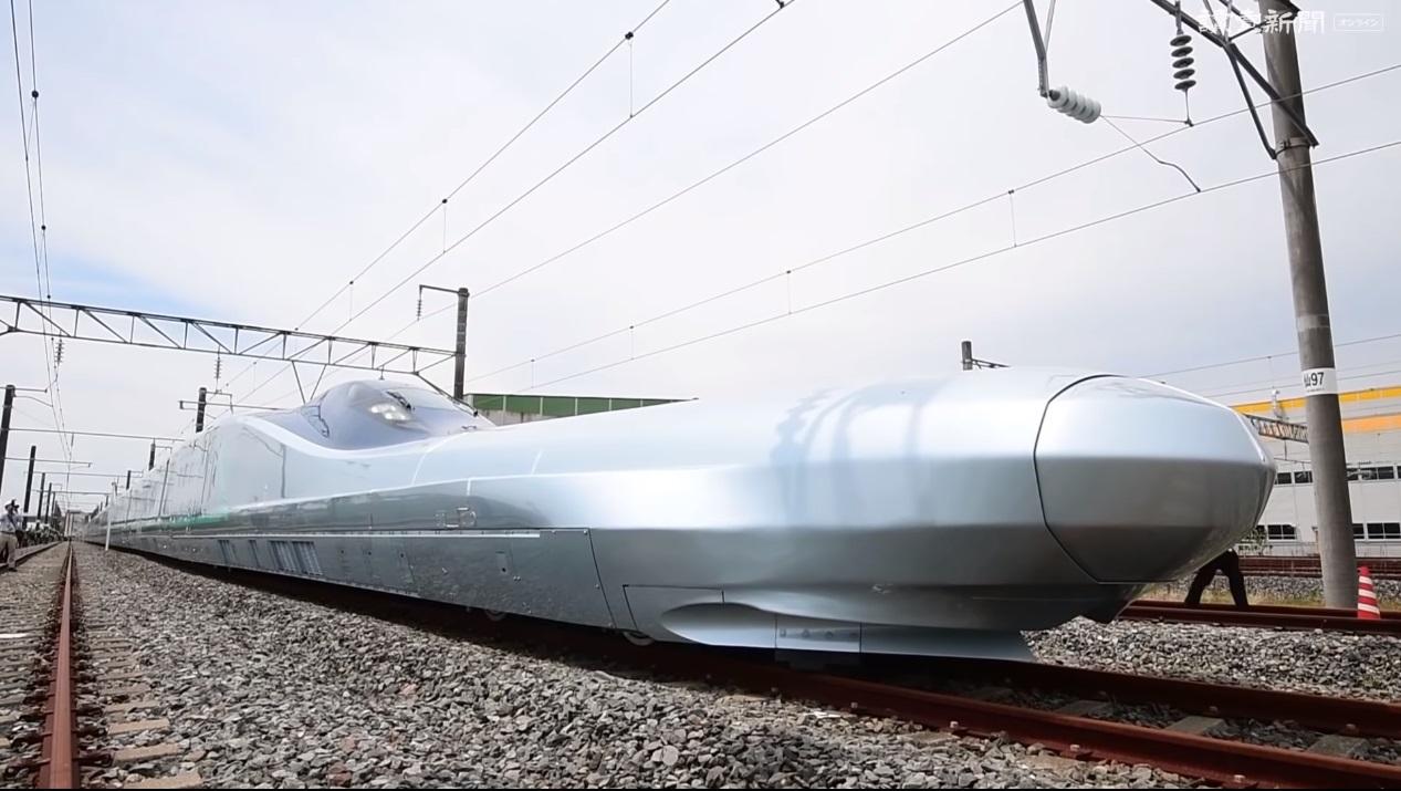 俥科技:可達 360 公里的日本新一代新幹線實驗車 ALFA-X 進行驗證,將耗時三年進行安全驗證
