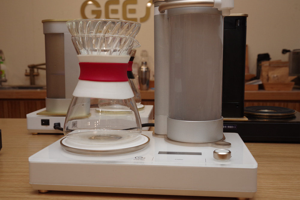 Coffeemaker, Product design, Design, Product, coffeemaker, Small appliance, Room, Kitchen appliance, Mixer, Blender, Home appliance