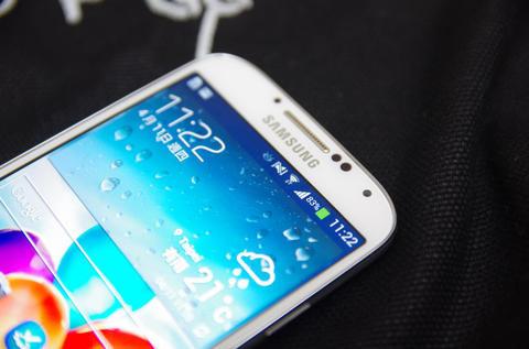是傳金屬材質的 Galaxy F 與 Galaxy S5 為獨立的產品項目這篇文章的首圖