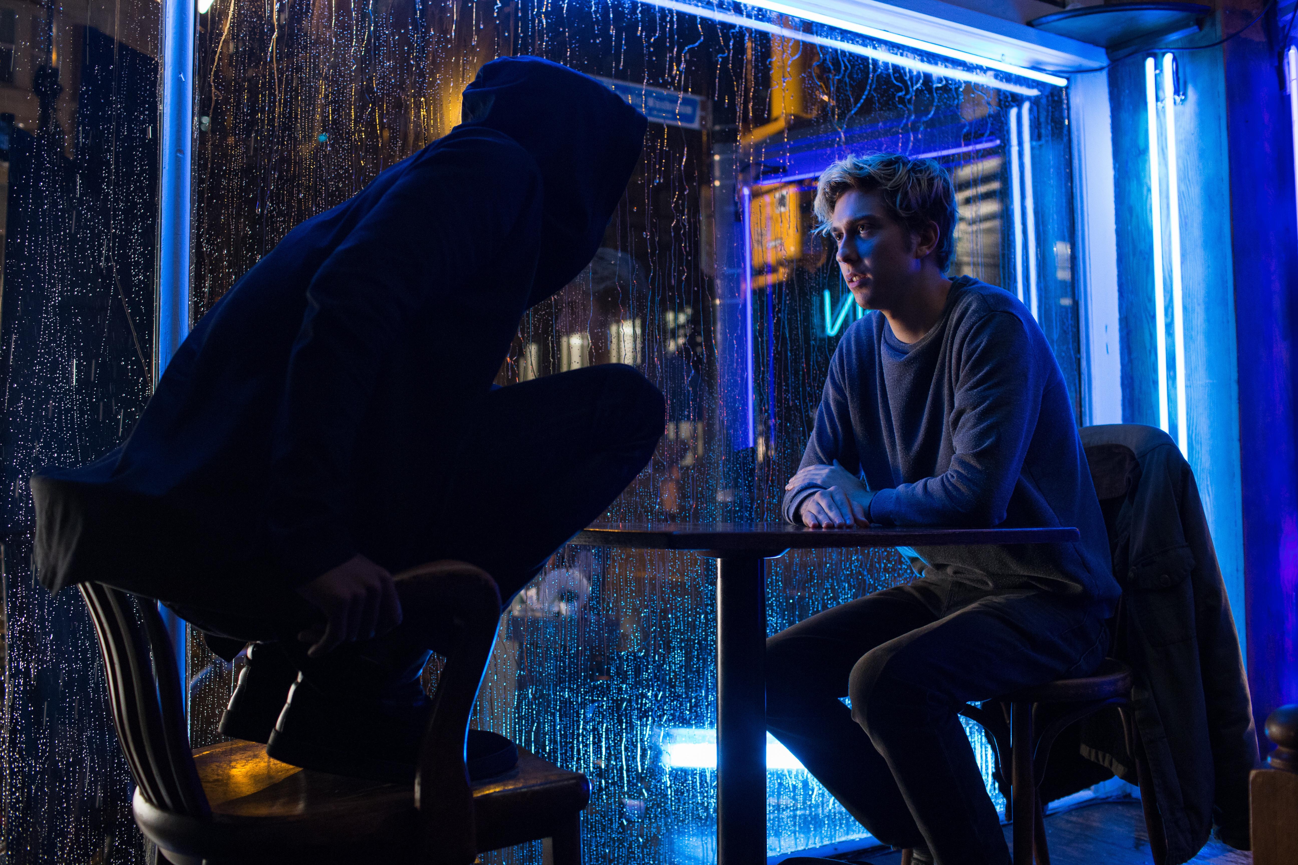 是夜神月與彌海砂都變成洋面孔啦~ Netflix 原創電影死亡筆記本 8 月 25 首映這篇文章的首圖