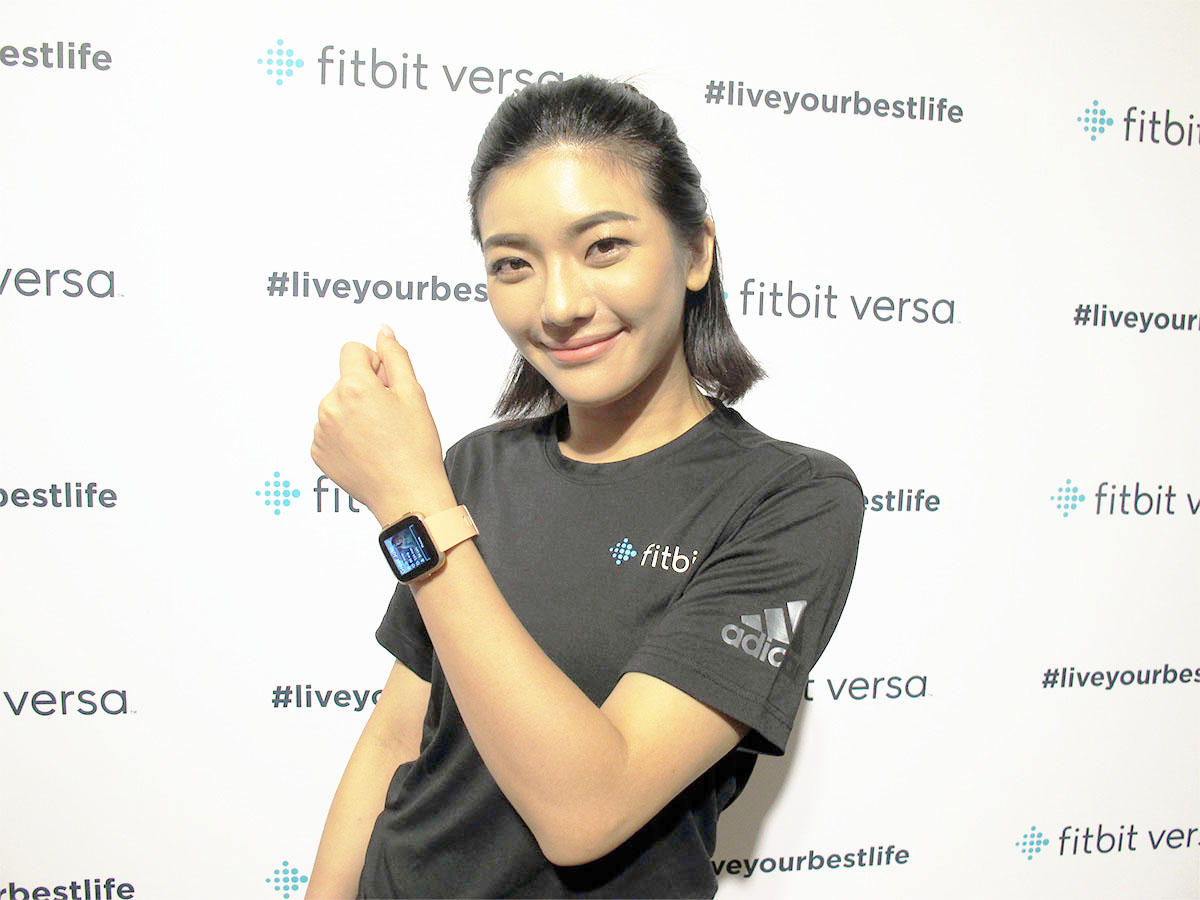Battery charger, Microphone, Fitbit, Fitbit Blaze, USB, Public Relations, Thumb, Socialite, Electrical cable, Public, estlifefitbit ver#liveyourbestlifefitbiersa#liveyourbesfitbit versa#liveyourestlifeTIstlifefitbiversa#liveyourbesversa#liveyrfitbit verveyourbestlifehestlife, estlife, fitbit, ver, #liveyourbestlife, fitbi, ersa, #liveyourbes, fitbit, versa, #liveyour, estlife, TI, stlife, fitbi, versa, #liveyourbes, versa, #liveyr, fitbit, ver, veyourbestlife, hestlife, shoulder, public relations, socialite, finger, product, microphone, thumb, estlifefitbit ver#liveyourbestlifefitbiersa#liveyourbesfitbit versa#liveyourestlifeTIstlifefitbiversa#liveyourbesversa#liveyrfitbit verveyourbestlifehestlife, joy, 電池充電器,麥克風,Fitbit,Fitbit Blaze,USB,公共關係,拇指,社交名,電纜,公共,estlifefitbit ver#liveyourbestlifefitbiersa#liveyourbesfitbit versa versa#liveyourestlifeTIstlifefitbiversa#liveyourbesversa#liveyrfitbit verveyourbestlifelifelife,estlife,fitbit,ver,#liveyourbestlife,fitbi, ersa,#liveyourbes,fitbit,versa,#liveyour,estlife,TI,stlife,fitbi,versa,#liveyourbes,versa,#liveyr,fitbit,ver,veyourbestlife,hestlife,肩膀,公關,社交名流,手指,產品,麥克風,thumb,estlifefitbit ver#liveyourbestlifefitbiersa#liveyourbesfitbit versa versa#liveyourestlifeTIstlifefitbiversa#liveyourbesversa#liveyrfitbit verveyourbestlifelifelife,joy