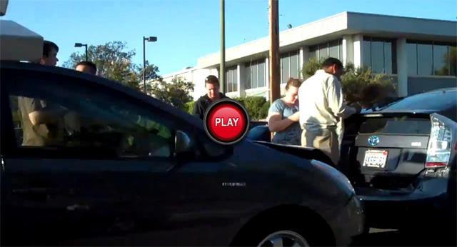 是Google的無人駕駛車(Prius)撞車了?No、是人為造成的!這篇文章的首圖