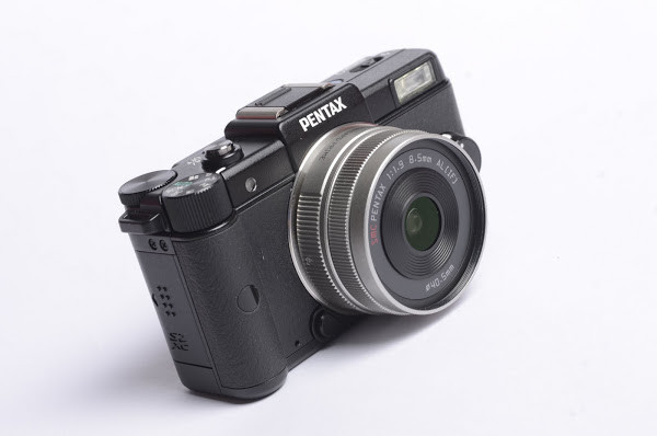 是100年資訊月:Pentax Q 相機這篇文章的首圖