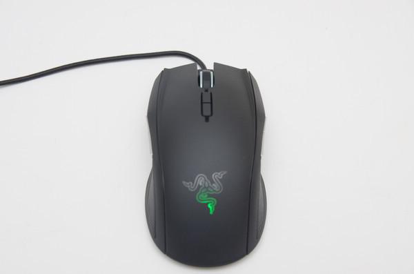 是可左右開弓的電競戰鼠,Razer TAIPAN 動手玩這篇文章的首圖