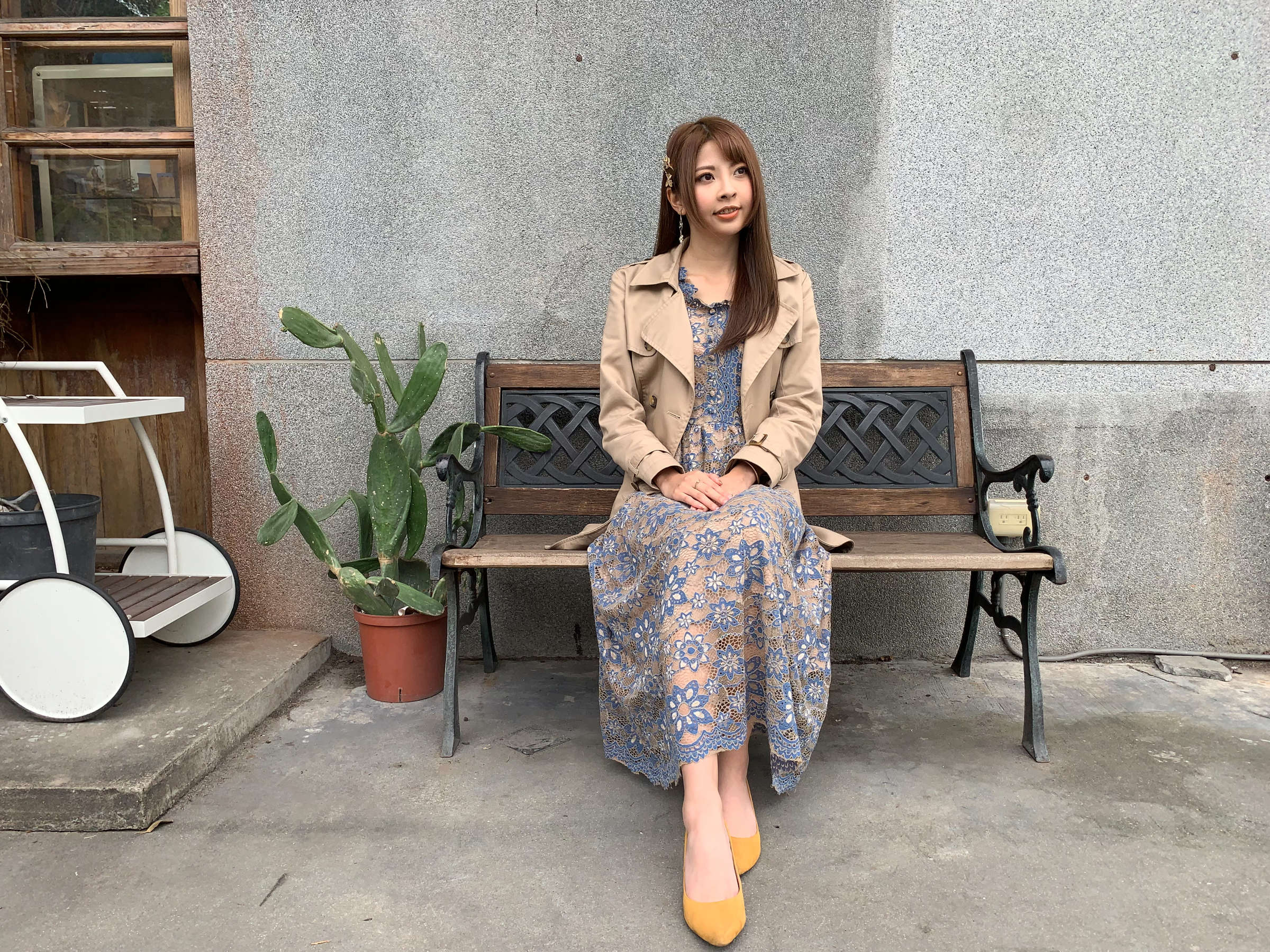 Jeans, Denim, Dress, Skirt, Outerwear, Shoe, Shoulder, Pattern, shoulder, clothing, shoulder, sitting, denim, jeans, outerwear, dress, girl, pattern, shoe